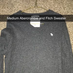 Medium Abercrombie and Fitch Sweater